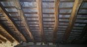 legno di castagno e tavelle in cotto di recupero