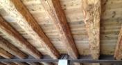 solaio in legno antico con ronpitratta in ferro
